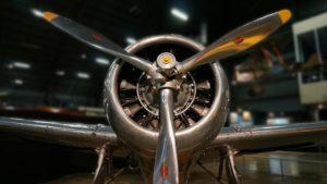 airplane-905532_1280